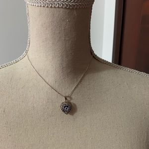 Silver heart necklace with pendat